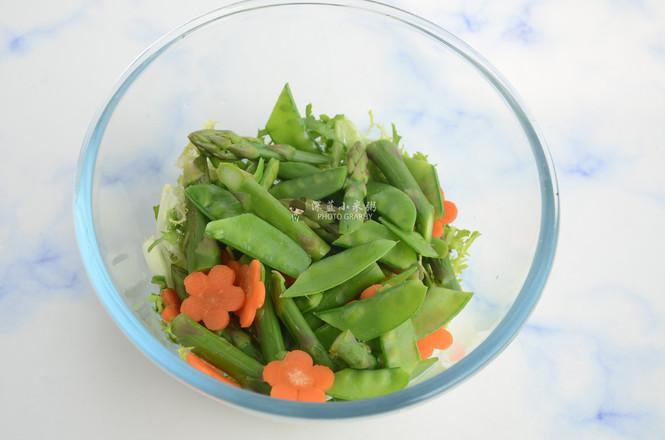 藜麦虾仁蔬菜沙拉怎样做
