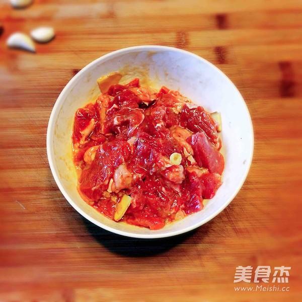 杏鲍菇黑椒牛肉粒的家常做法