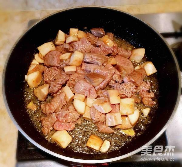 杏鲍菇黑椒牛肉粒怎么吃