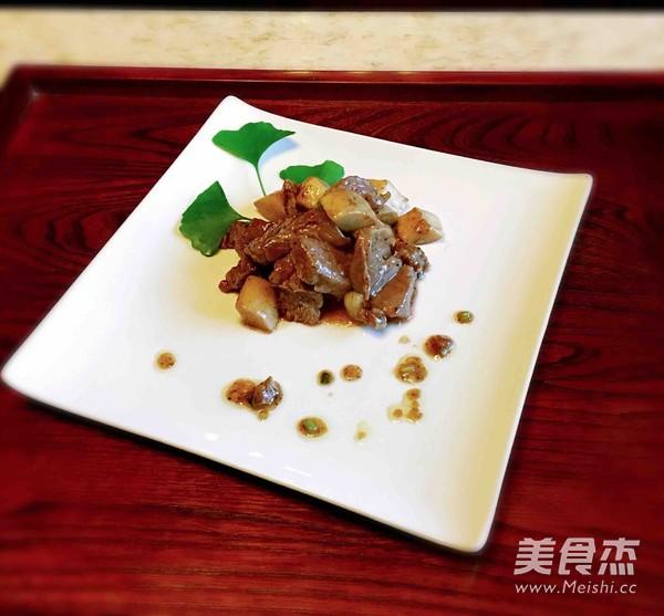 杏鲍菇黑椒牛肉粒怎么煮