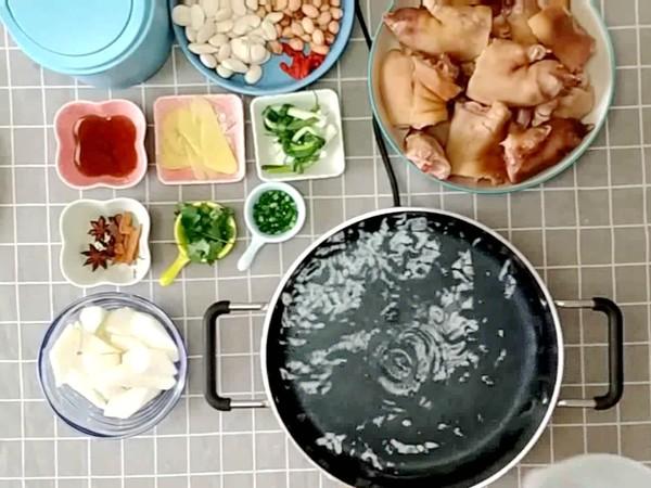 山药花生芸豆猪蹄汤的做法的家常做法