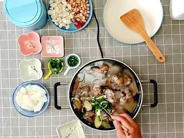 山药花生芸豆猪蹄汤的做法怎么煮