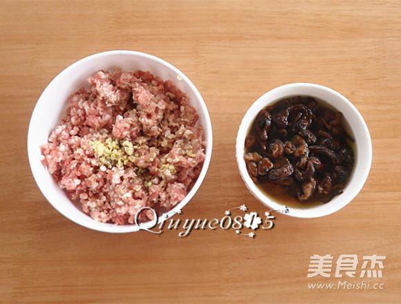 榛蘑猪肉馅饺子的做法图解