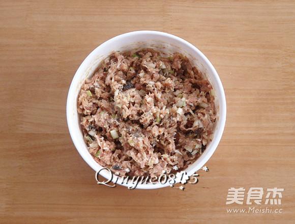 榛蘑猪肉馅饺子的简单做法