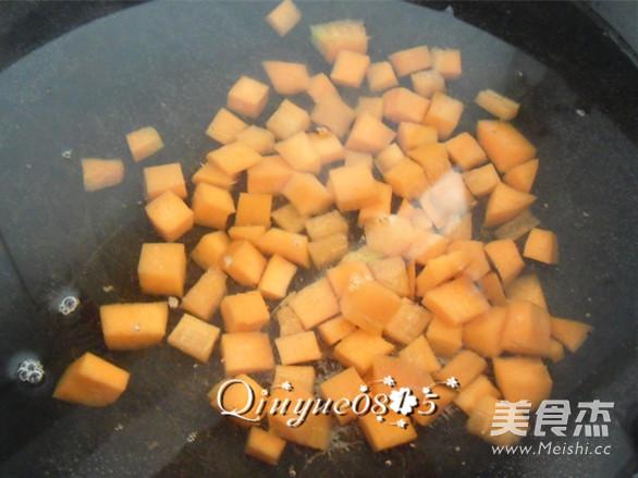 虾味蛋液炒蔬菜的家常做法