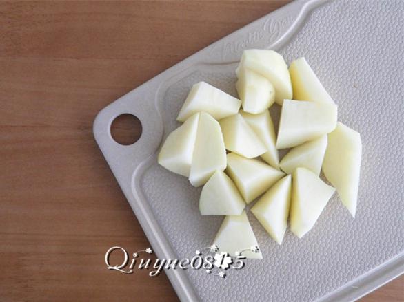 土豆炖鸡翅的简单做法