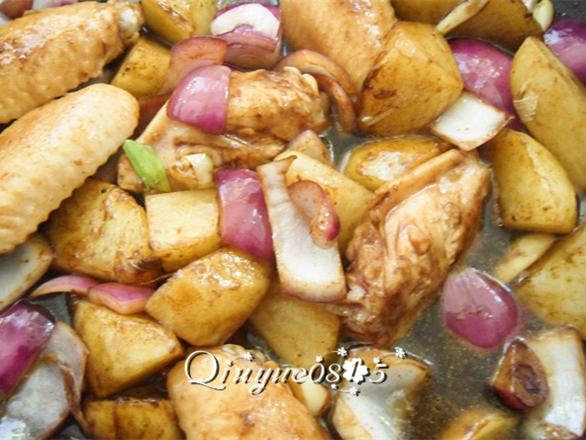 土豆炖鸡翅怎样煸