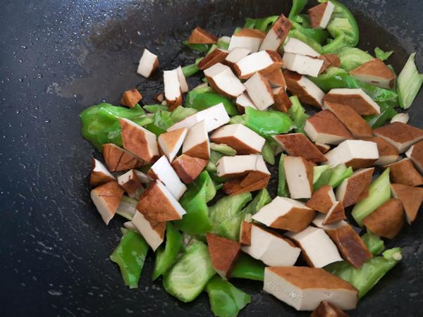 尖椒炒五香豆腐干怎么吃
