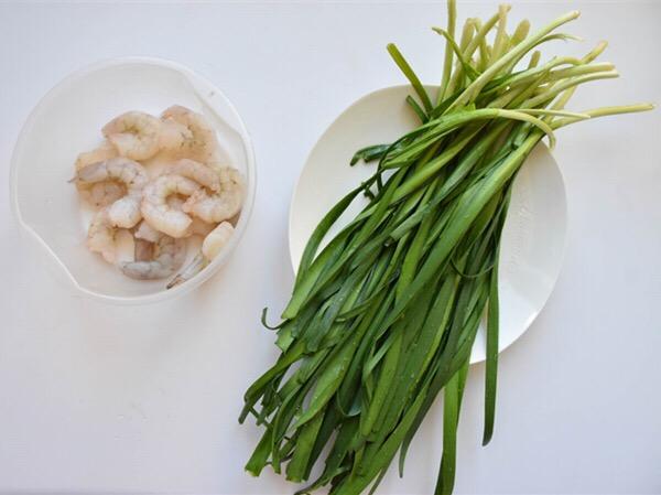 新奥尔良虾仁韭菜的步骤