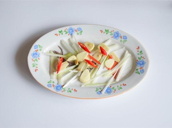 清蒸黄花鱼的简单做法