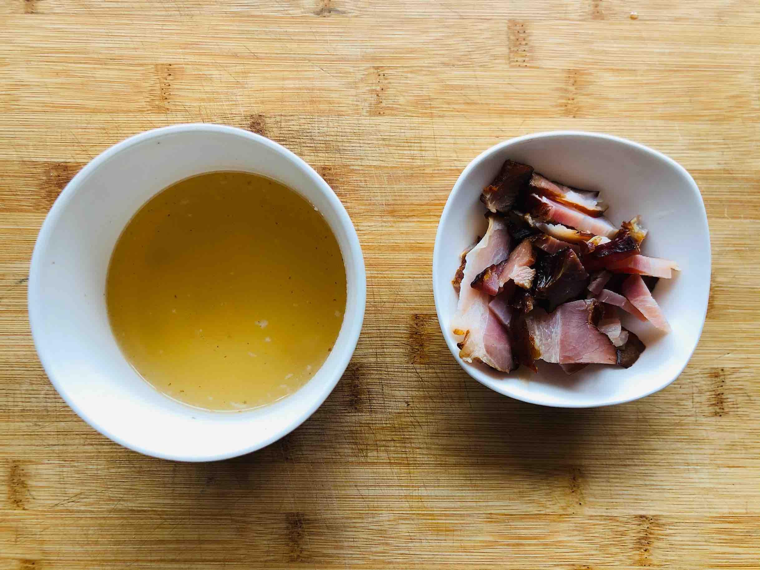 年夜饭快手下饭小炒:酸豆角炒腊肉的简单做法