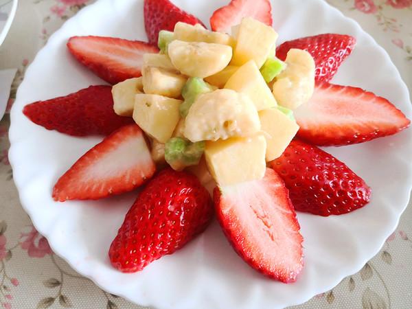 简单的水果沙拉图片