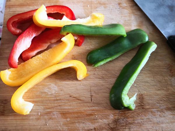 五彩斑斓——彩椒香肠串的做法大全