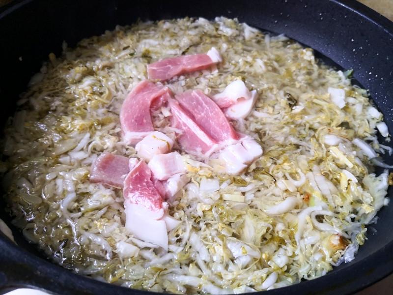 东北炖酸菜的简单做法