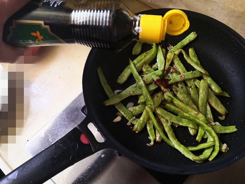 油焖豆角的简单做法