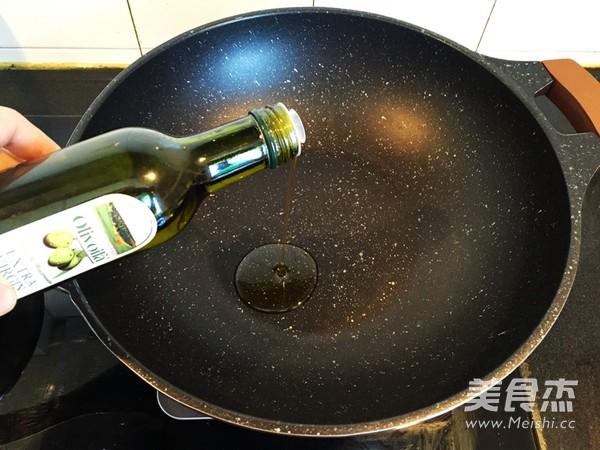 蘑菇虾仁鲜笋菜泡饭怎么吃