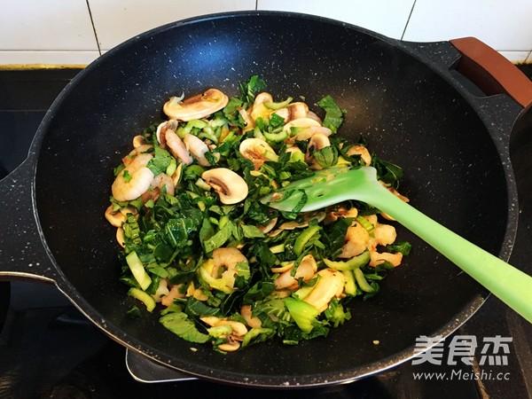 蘑菇虾仁鲜笋菜泡饭怎么煮