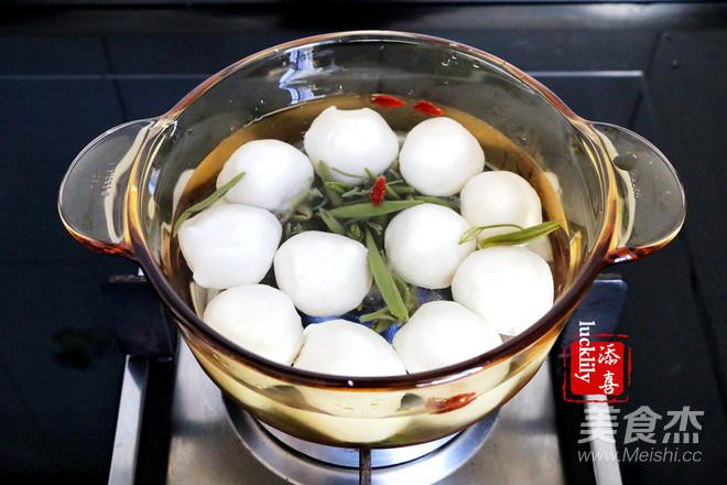 西湖莼菜鱼圆汤的家常做法