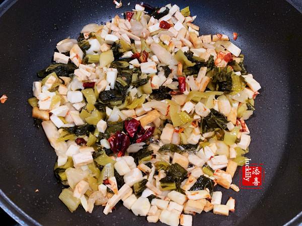 辣子腌菜冬笋炒豆干怎么做