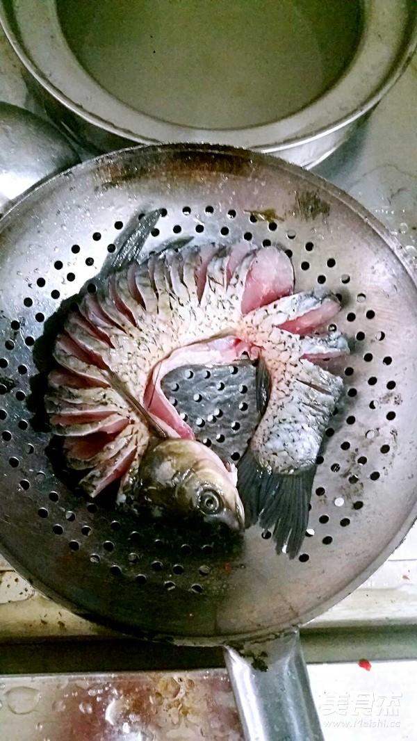 【余 厨】酸汤盘龙鱼的做法图解