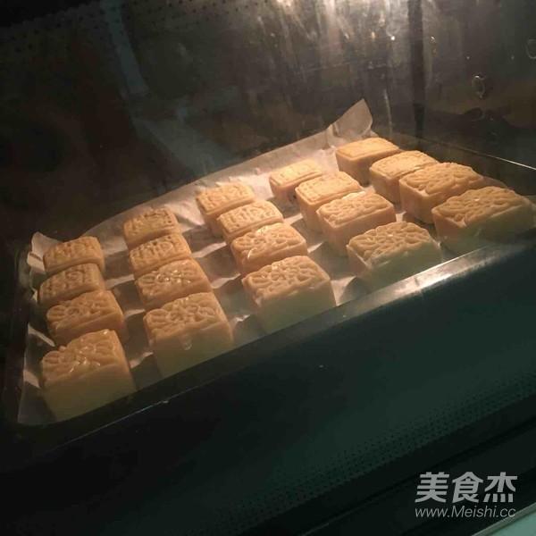 广式月饼2怎么吃