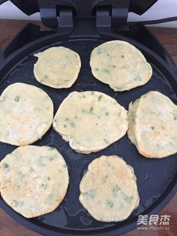 快手早餐之黑胡椒芹菜鸡蛋饼的简单做法