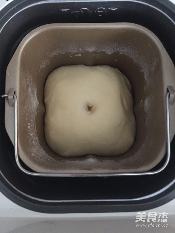 蔓越莓杏仁奶酥面包的家常做法