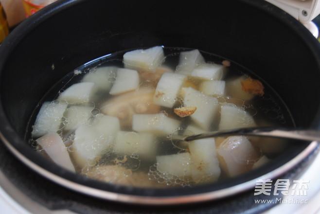 白萝卜猪尾汤怎么做