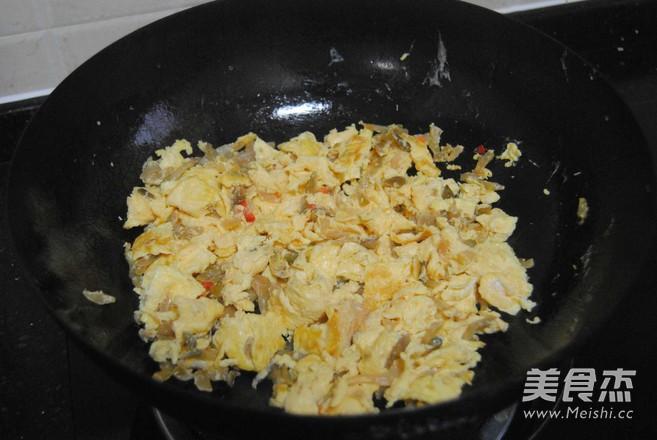 海鸭蛋炒榨菜怎么做