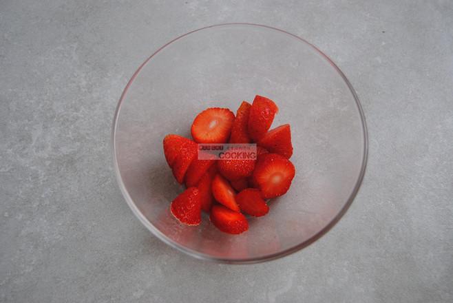 红粉佳人草莓米糊的做法图解
