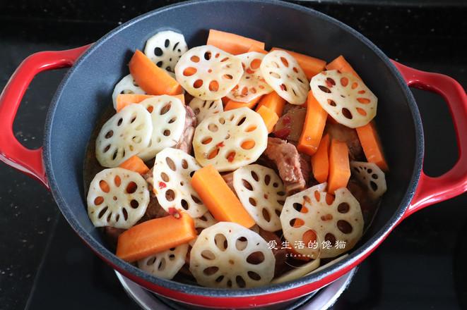 胡萝卜莲藕烧排骨怎么炒