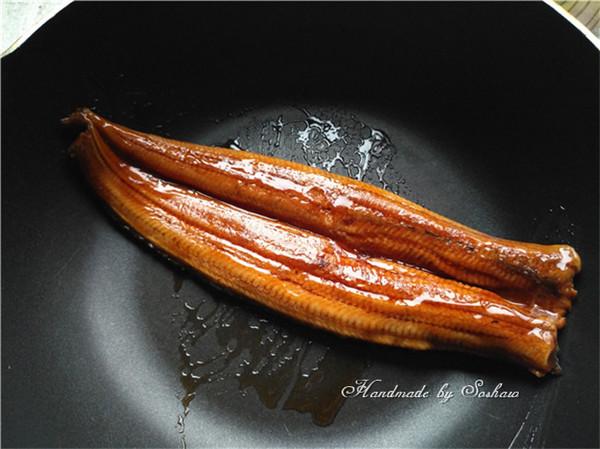蒲烧鳗鱼饭怎么吃