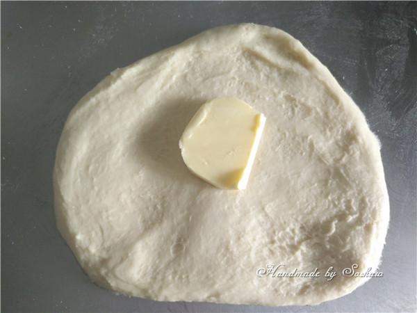 花型日式红豆面包的家常做法