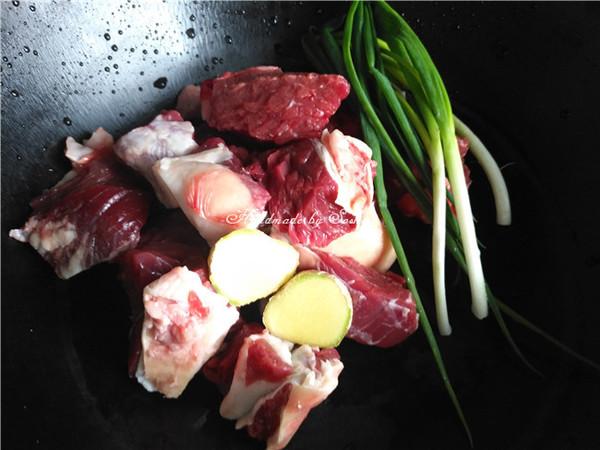 土豆炖牛腩的做法大全