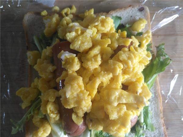 牛肉肠鸡蛋三明治怎么做