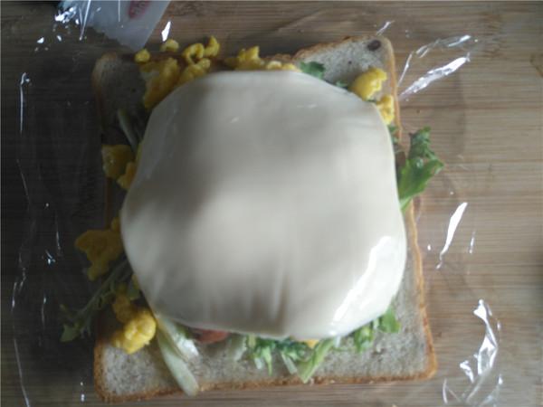 牛肉肠鸡蛋三明治怎么炒