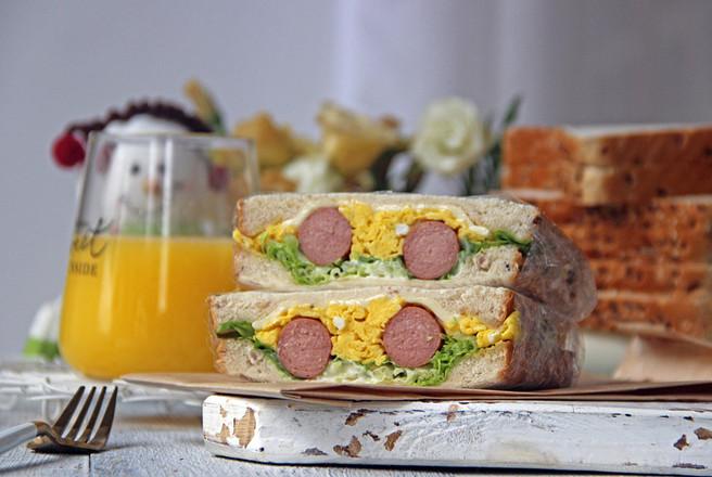 牛肉肠鸡蛋三明治怎么煸