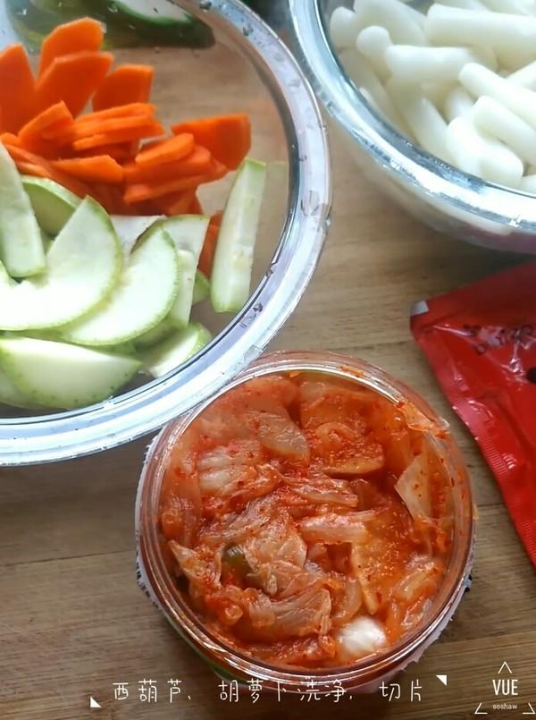 韩式泡菜炒年糕的步骤