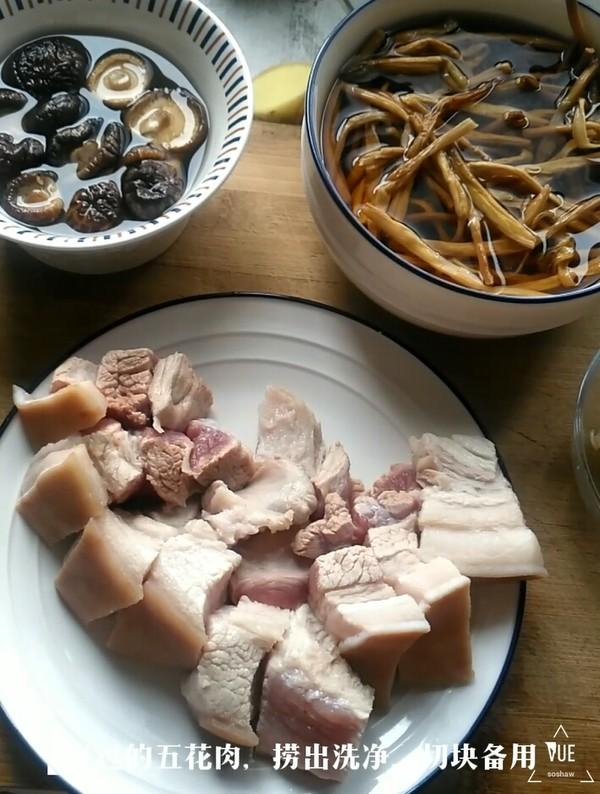 黄花菜烧肉的家常做法