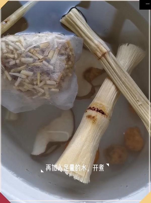 白茅根竹蔗雪梨糖水怎么吃