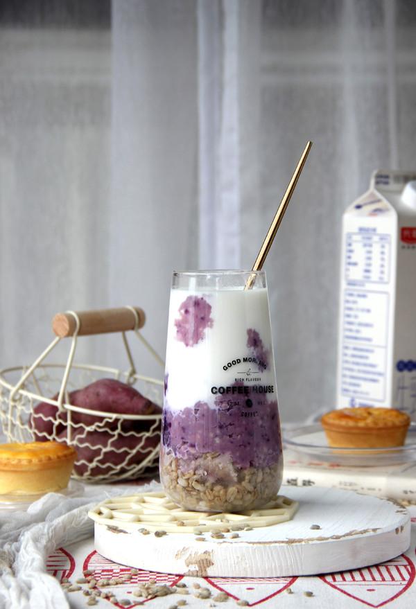 芋泥青稞鲜牛乳成品图