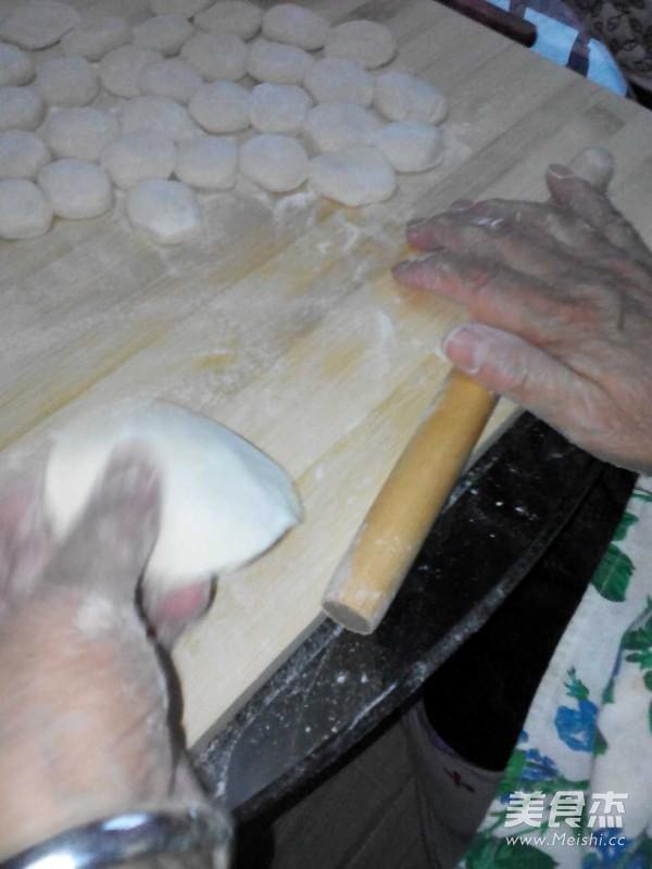 酸菜水饺的简单做法