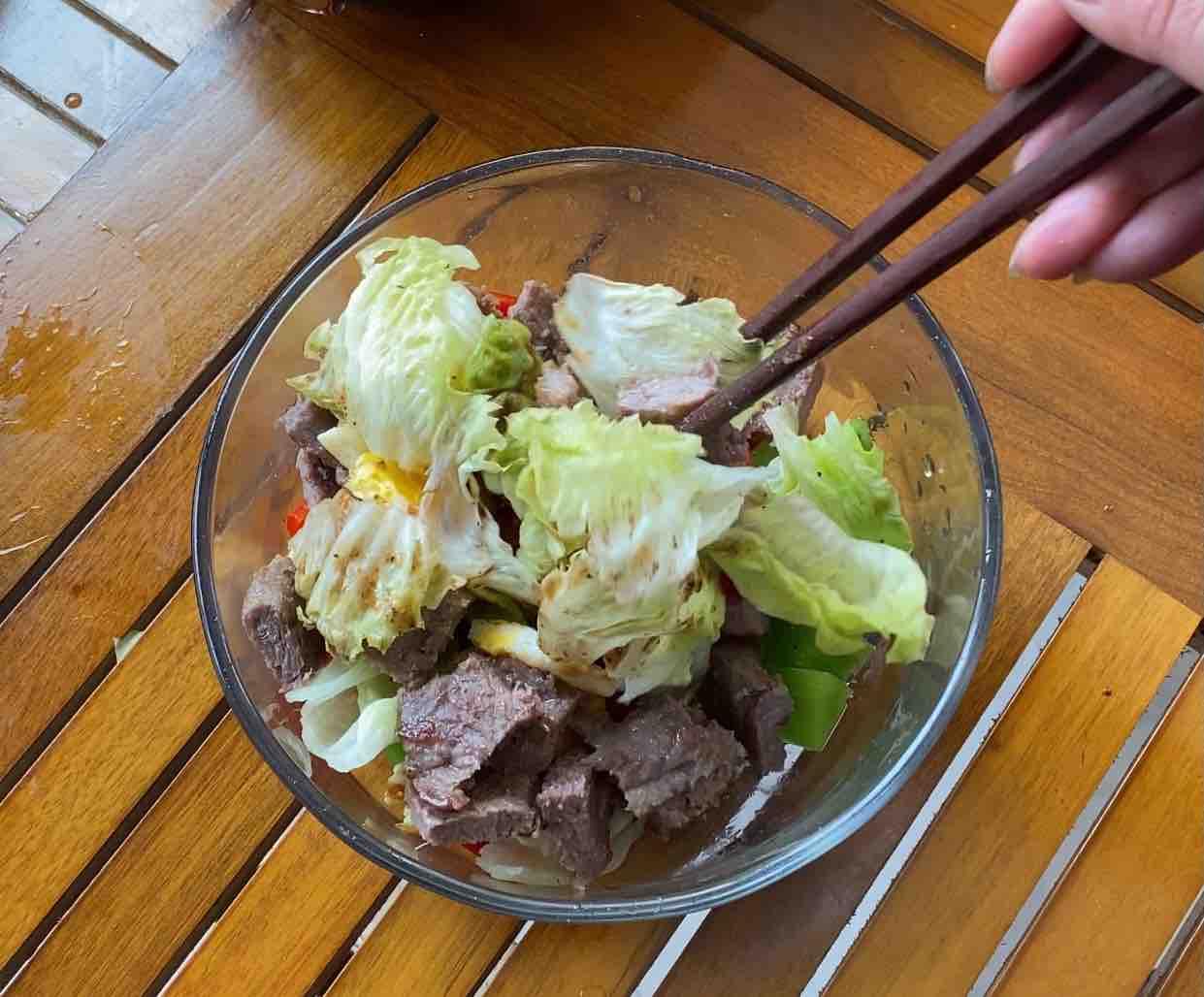 牛肉蔬菜沙拉的步骤