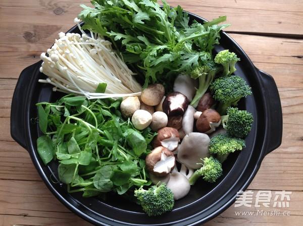 菌菇火锅的家常做法