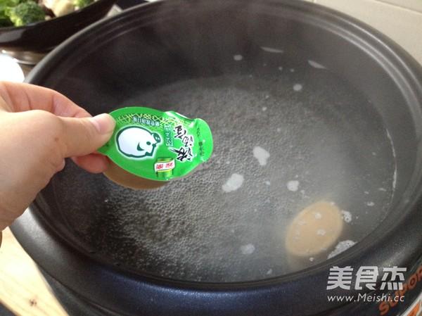 菌菇火锅怎么煸