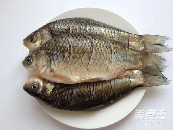 干锅鲫鱼的做法大全
