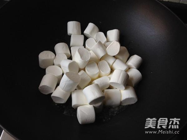 黑芝麻花生牛轧糖的简单做法