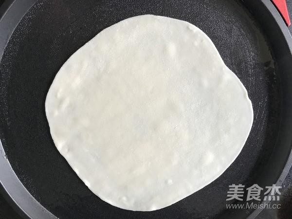 鸡蛋灌饼香肠卷怎样煮