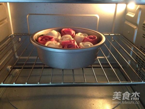 玫瑰花面包的制作