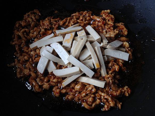 韭菜苔炒肉丝怎么炒